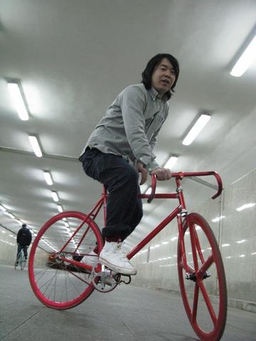 Wang Xiao Wei Track Standing