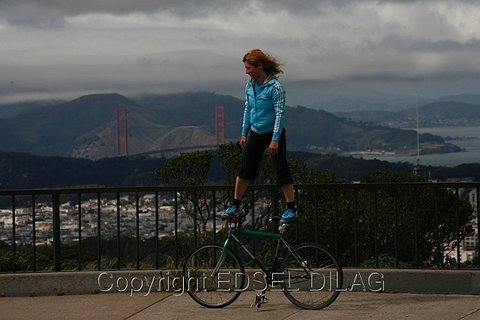 Golden Gate Fixed Gear Surfing Trick