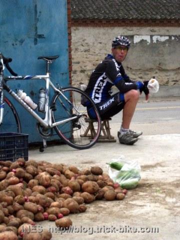 Tom Lanhove and his Road Bike