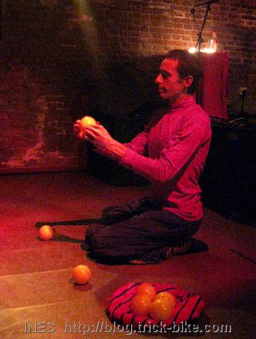 Federico Moro Juggling Performance