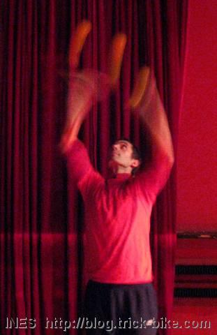 Fede Overhead Juggling
