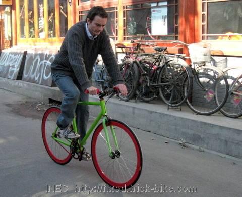 Virgin fixed gear bike ride outside Natooke Shop