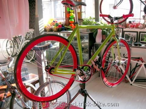 Julien's flashy fixed gear bike