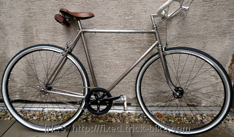 Andi's beautiful fixed gear bicycle with front and back brake