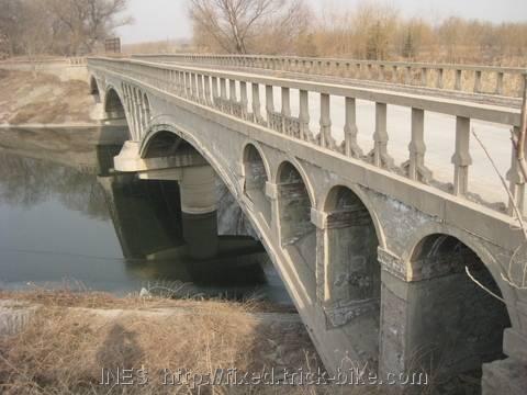 Beijing Canal Bridge in the East