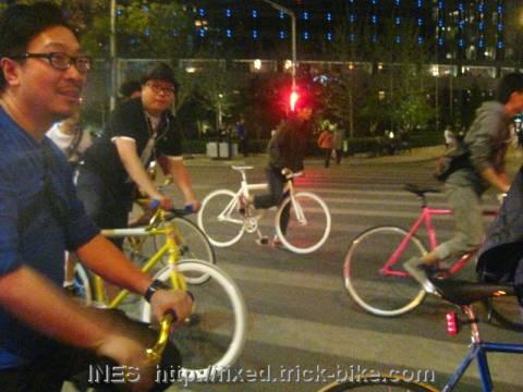 Beijing fixie riders