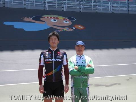Tomity-san and team mate at Matsudo Keirin race