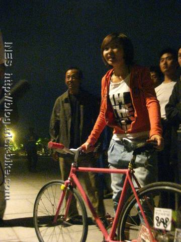 Beijing TV Guo Yan and my Track Bike