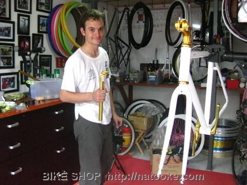 Julien in Natooke Workshop