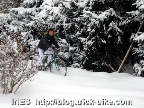 Ines cycling in deep snow