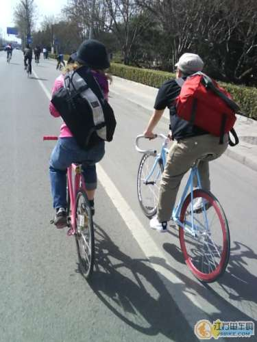 Riding Fixed Gear in Beijing