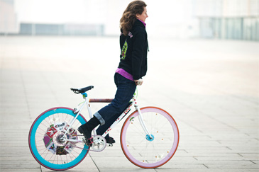 Ines Brunn doing a Fixed Gear Bike Skid